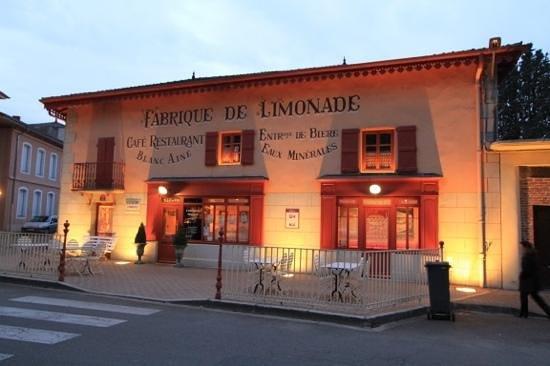 Bistrot L Ancienne Auberge 1900 : L'ancienne Auberge Georges Blanc, de nuit