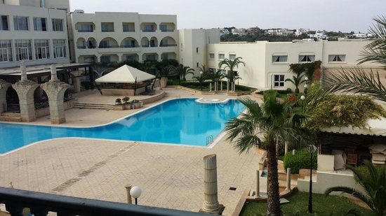 Golden Tulip Carthage Tunis : Pool view