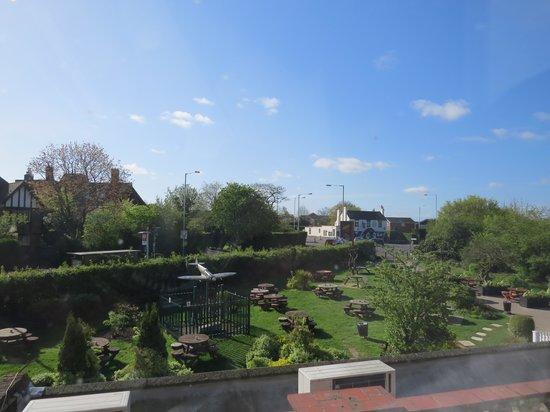 Premier Inn London Ruislip Hotel: View from Room 20