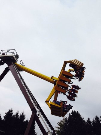 Lightwater Valley Theme Park: The claw