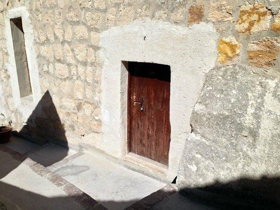 Melek Cave Hotel: Room Entrance