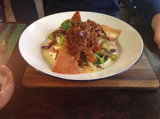 The Old Harkers Arms: Pulled pork salad