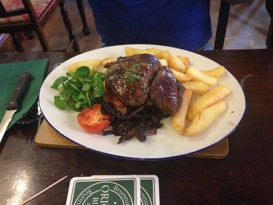 The Old Harkers Arms: 10oz rump steak