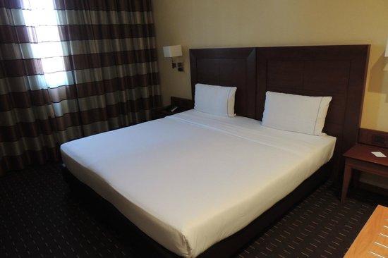 Hotel Capannelle: Letto molto grande