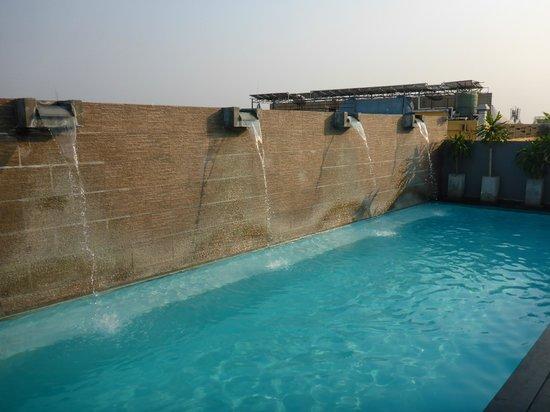 Sleep Withinn: Pool