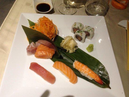 Caparena Sushi & Wine: Sushi e Sashimi misto 12 pezzi