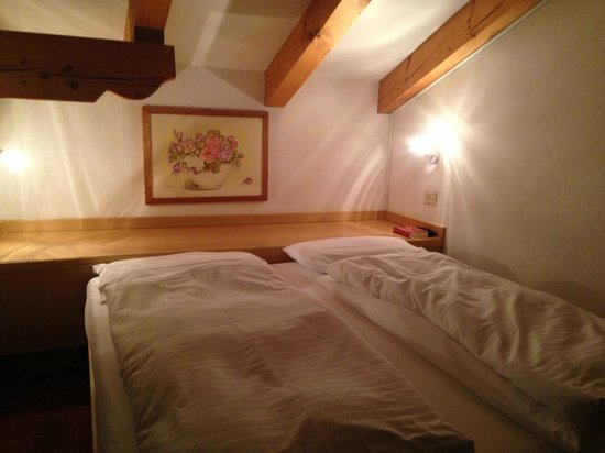 Hotel Cristiania: bed on mezzanine