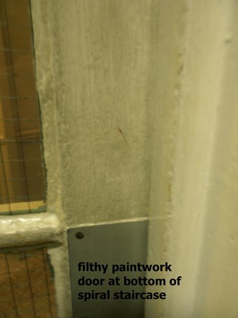 The Derwentwater Hotel : general state of paintwork