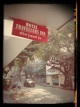 Hotel Travellers Inn: Adi Murzban Path street