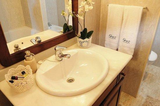 Cruz Apartments Lisbon: Bathroom