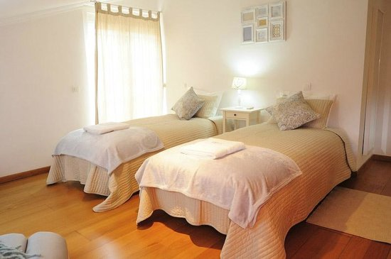 Cruz Apartments Lisbon: Twin room