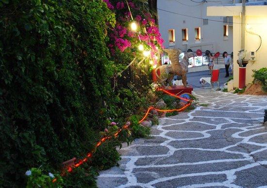 Platanias Palace : our restaurant evening hours