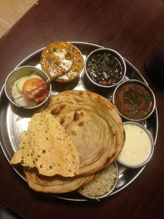 Bade Bhai Ka Brothers Dhaba: Thali Combo ( It was delicious for Rs 185/-)