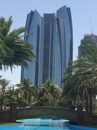 Emirates Palace : POOL AUSSICHT