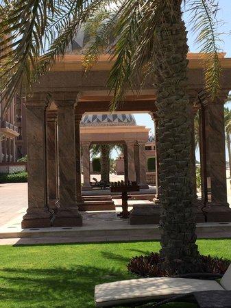 Emirates Palace : AM POOL