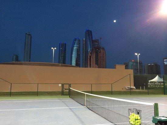 Emirates Palace : TENNISPLATZ