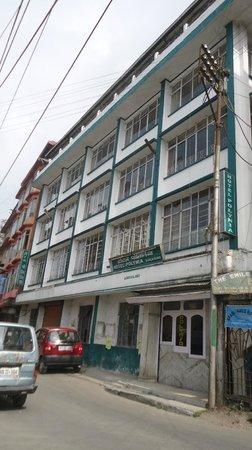 Hotel Polynia: BUILDING