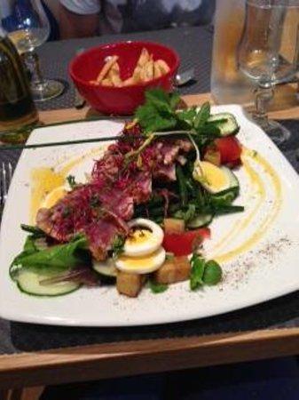 Le Citronnier : salade niçoise au thon frais poêlé