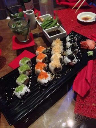 Rouge Bali - Villas & Spa: 16 piece mixed sushi