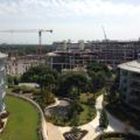 Calista Luxury Resort: Construction
