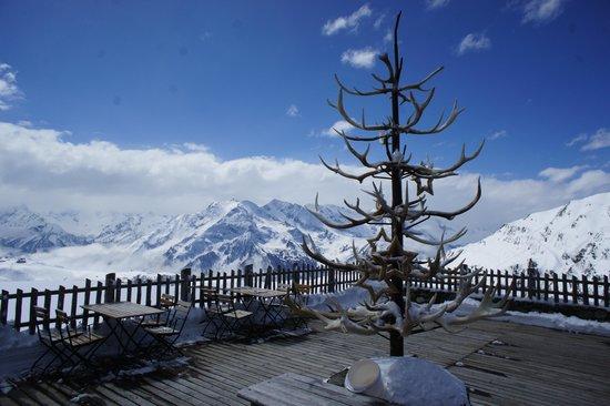 Schneekarhütte: Terrasse