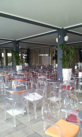 Aminess Maestral Hotel : il bar all'aperto