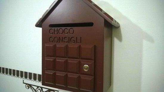 Etruscan Chocohotel : Cassetta a tema