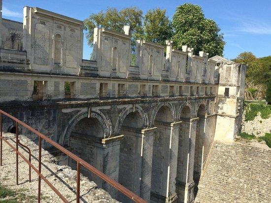 Chateau de Fere: the bridge