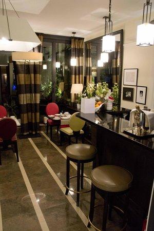 Villa Madame: Lobby area
