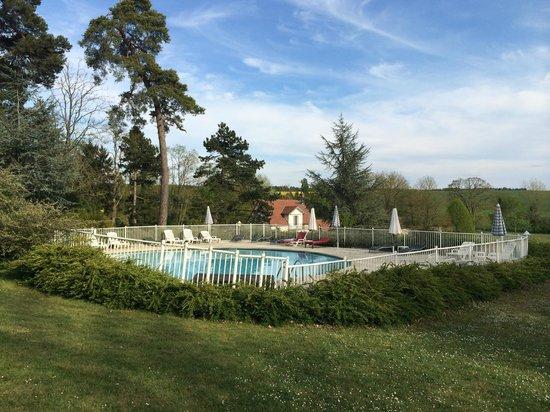 Chateau de Fere: the pool