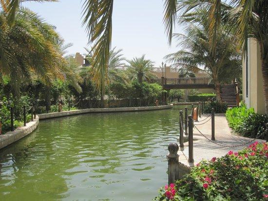 Shangri-La Hotel, Qaryat Al Beri, Abu Dhabi : Waterway