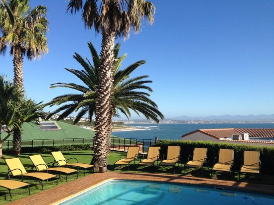 Protea Hotel by Marriott Mossel Bay: Pool Area