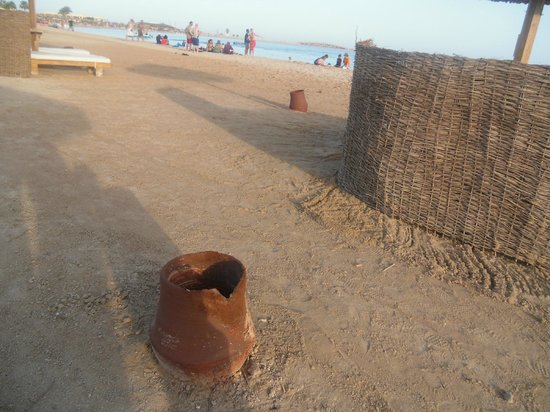 The Westin Soma Bay Golf Resort & Spa: sharp broken pottery next to us