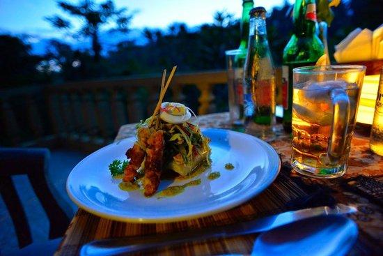 Graha Moding Villas: Abendessen