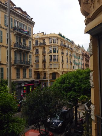 Chez Josephine : View from the blue room