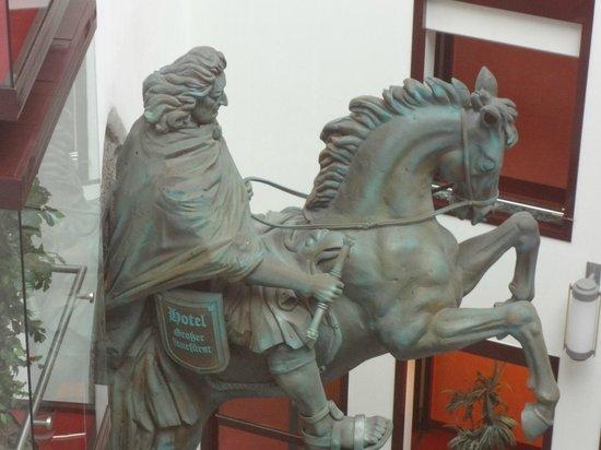 Derag Livinghotel Grosser Kurfürst : Statua hall