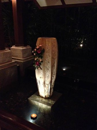 Bo Phut Resort & Spa: Reception at night