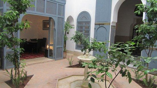 Riad Adore : courtyard