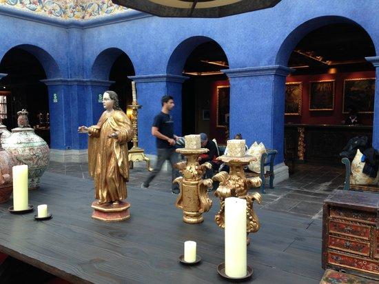 Palacio del Inka, A Luxury Collection Hotel, Cusco: Lobby e suas peças de arte