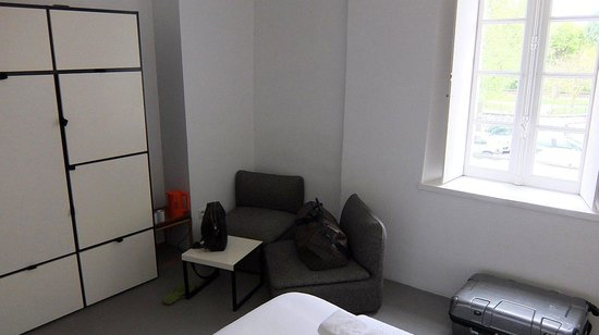 Bloc G: Room 1