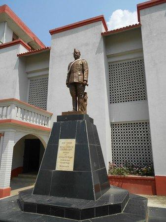 Imphal, Indien: INA Museum - Netaji Subhas Chandra Bose statue