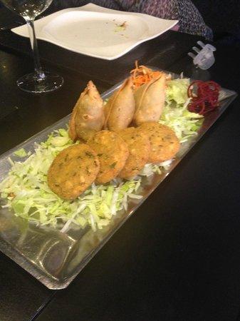 Tandoori Station: appetizer samosa