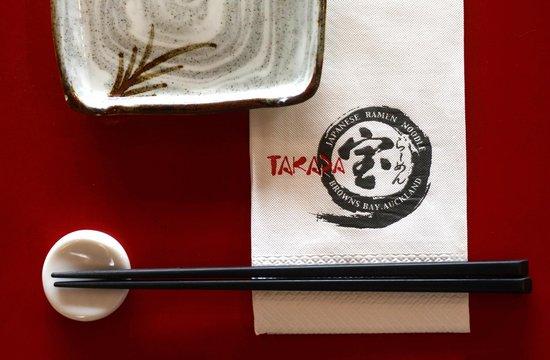 Ramen Takara: Table setting