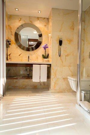 Hagia Sophia Hotel Istanbul Old City: Bathroom