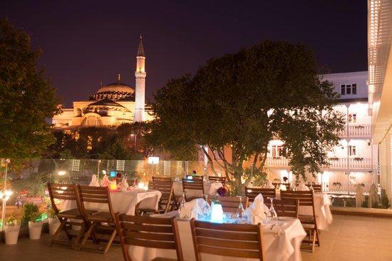 Hagia Sophia Hotel Istanbul Old City: Terrace Restaruant