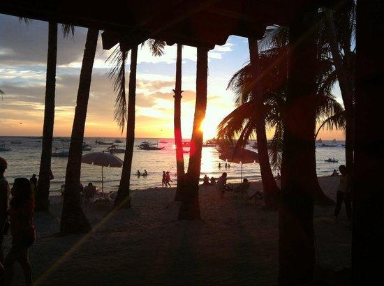 MarZon Beach Resort Boracay: With boat serounding.