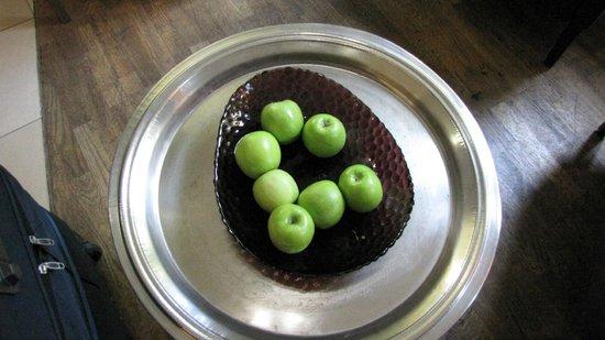 ACHAT Plaza Herzog am Dom: Яблоки на ресепшион