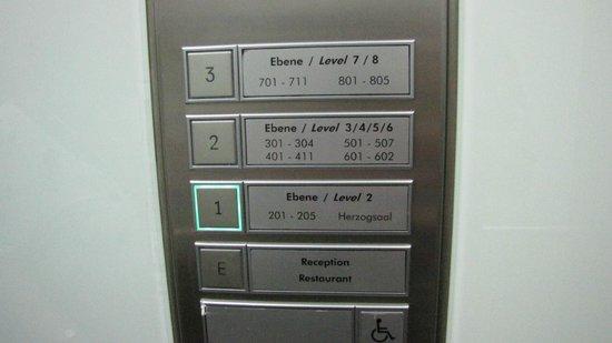 ACHAT Plaza Herzog am Dom: Распределение номеров по этажам