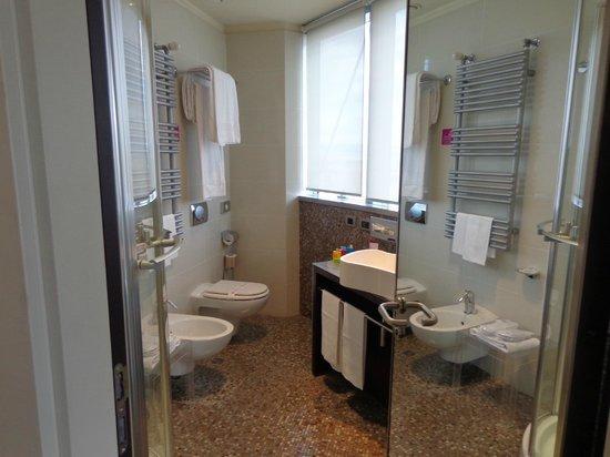 T Hotel: Limpio y moderno , muy practico