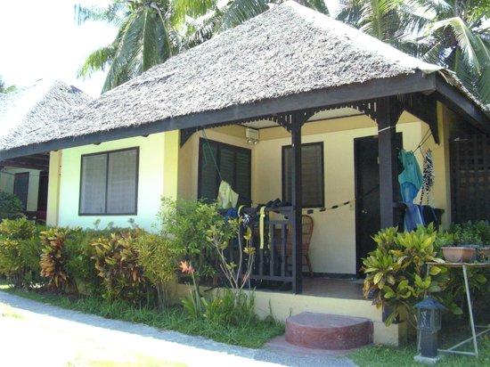 Blue Ribbon Dive Resort : bungalow 5